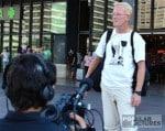 zweisprachiger videojournalist filmt Überlebenden Zugkatastrophe Barcelona